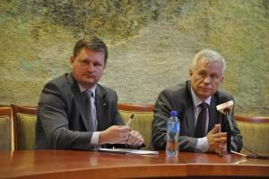 Marek Jurek i Bartosz Józwiak podczas konferencji prasowej